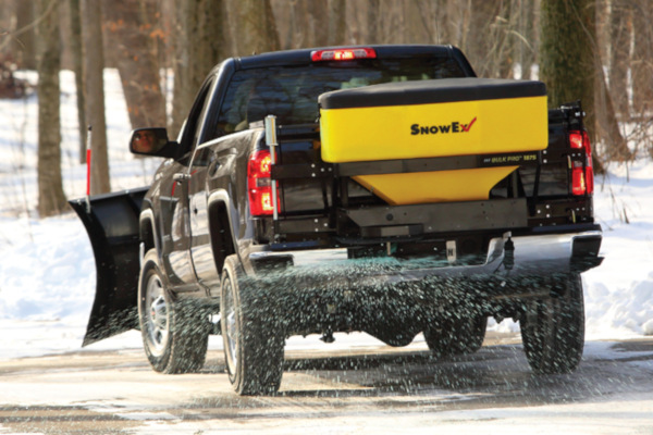 Spreaders | Tailgate | Bulk Pro™ for sale at Rippeon Equipment Co., Maryland