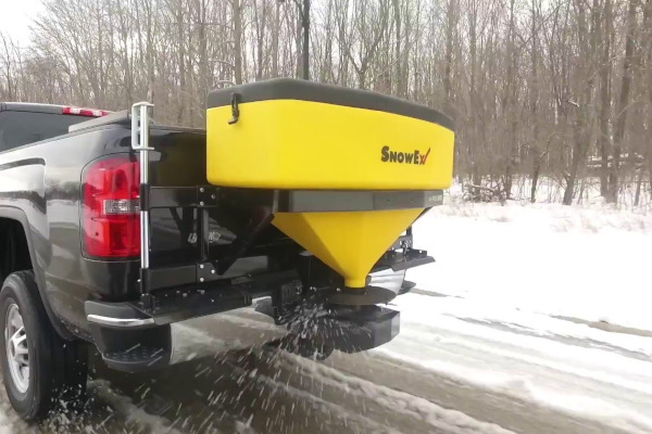 Spreaders | Tailgate Pro | Model SP-1075X-1 for sale at Rippeon Equipment Co., Maryland