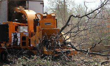 CroppedImage350210-Bandit-TreeChipper-2290-Towable.jpg