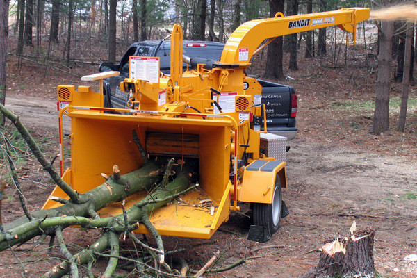 Bandit Industries | 255XP SERIES | Model 255XP - TOWABLE  DISC STYLE HAND-FED CHIPPER for sale at Rippeon Equipment Co., Maryland